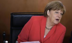 Меркель просит бундестаг санкционировать решение по греческому кредиту