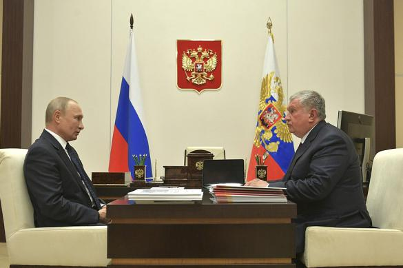 Ситуацию на нефтяных рынках Путин обсудил с Сечиным