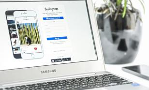 Instagram включает камеру при просмотре ленты