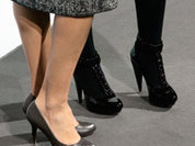 Куда ведут высокие каблуки?