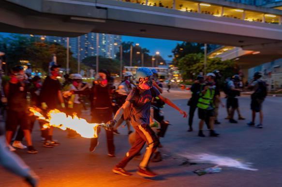 Пекин: США вступили в сговор с преступными элементами Гонконга