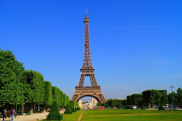 Эйфелева башня откроется для посетителей с 25 июня