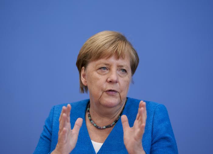 """Зачем Меркель нужны """"танцы с бубнами"""" вокруг персоны Навального"""