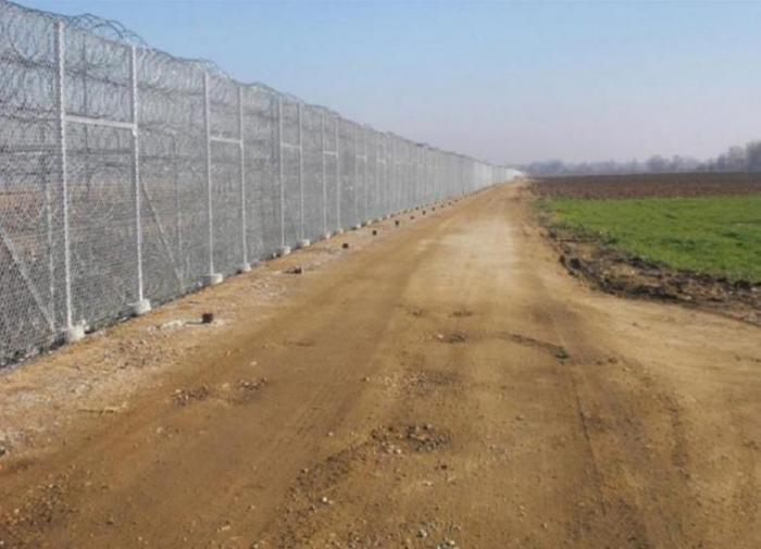 Греция удлинит стену на турецкой границе, чтобы блокировать мигрантов