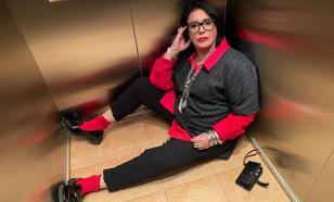 Надежда Бабкина в изнеможении легла в лифте