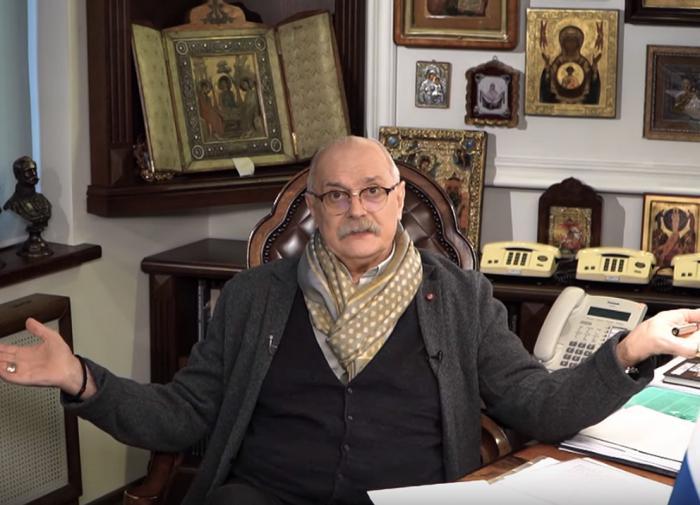 """Михалков предложил отправить """"баррикадных актёров"""" в прошлое"""