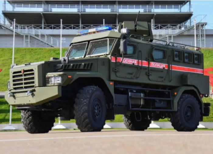 """На вооружение военной полиции поступили новые бронемашины """"Патруль"""""""