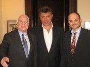 Немцов нашел в России панику и кризис