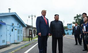 В США назвали встречу Трампа и Ким Чен Ына постановкой и шоу