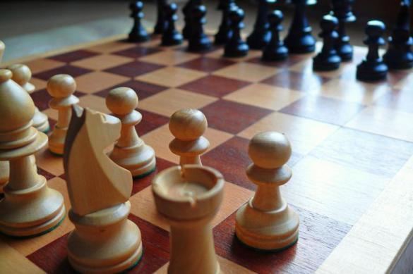 Шахматист Грищук призвал остановить турнир претендентов