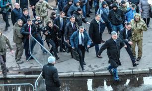Радикалы гоняют Порошенко по Украине. Что происходит?