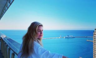 Анна Семенович сфотографировалась голышом