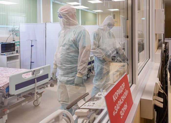 Минздрав: коечный фонд для больных с COVID-19 занят уже на 90%