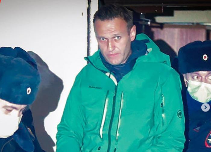 Навальный потерял статус узника совести
