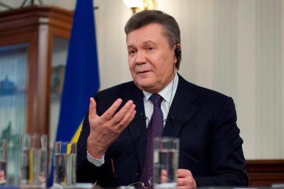 """Янукович похвалил Зеленского за """"первые шаги к миру"""""""