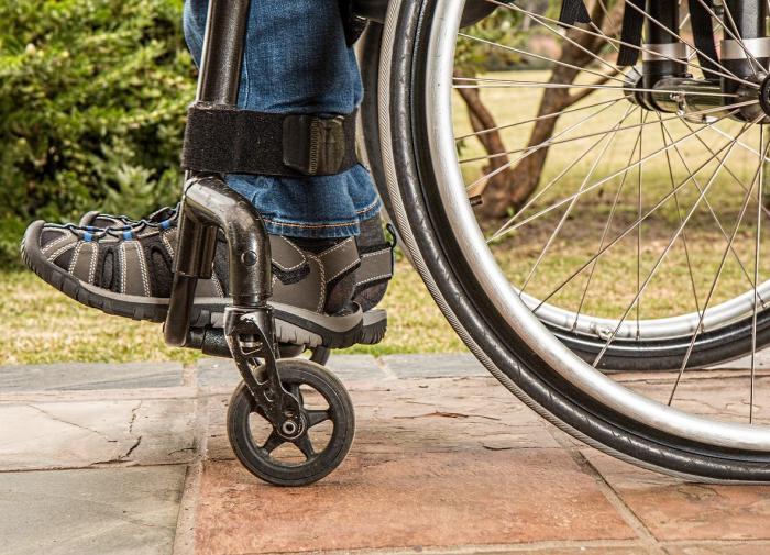 Инвалиды смогут бесплатно получать второе высшее образование