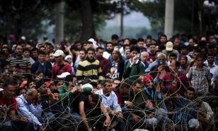 К европейским границам стягиваются тысячи беженцев