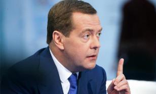 Медведев не исключил принятия более жестких мер для борьбы с пандемией
