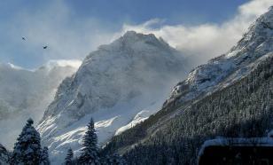 На горнолыжный курорт на Домбае сошла лавина