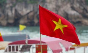 Более десяти вьетнамцев погибли при падении автобуса
