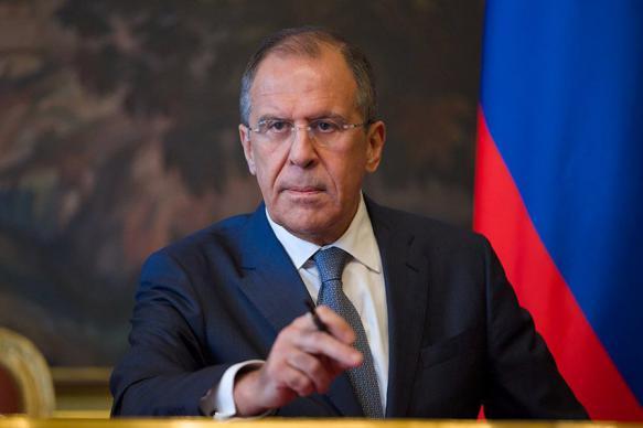 """Глава МИД РФ пообещал защитить """"богом данное понимание семьи"""""""