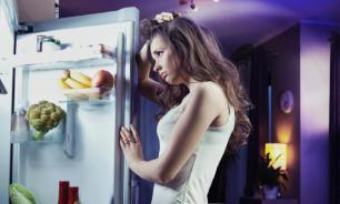 Врачи рассказали, чем может быть опасен поздний перекус для женщин