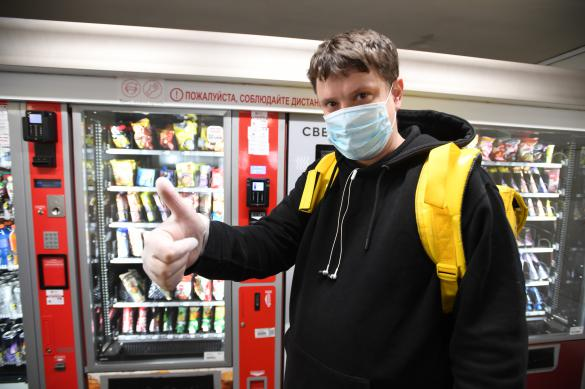 """Эксперт: """"Ношение маски и перчаток - первый шаг к отмене ограничений"""""""