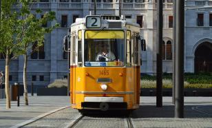 Трамвай без тормозов повредил девять автомобилей в Иркутске