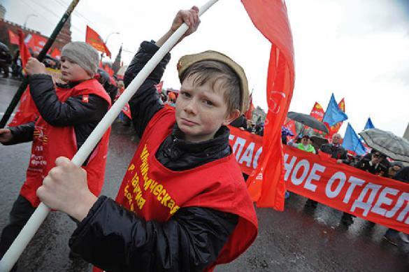 Политиков хотят сажать за вывод школьников на митинги