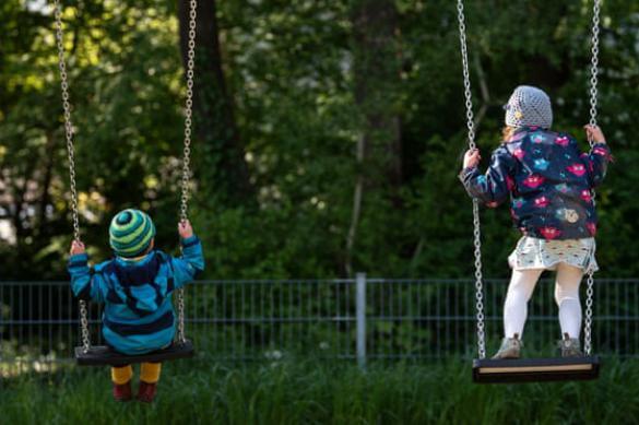 В Красноярске задержали бабушку, избившую в лифте внучку