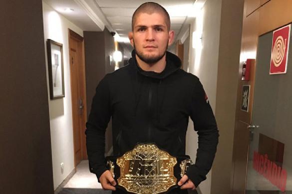 Фергюсон призвал отобрать у Нурмагомедова чемпионский пояс UFC