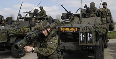 """США """"подсаживают"""" Узбекистан на экспорт американского оружия – точка зрения"""