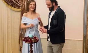 Психолог объяснила, почему Арзамасова вышла замуж за Авербуха