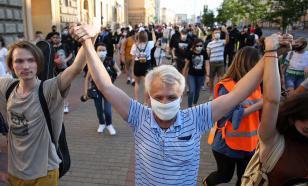 В центре Минска началось шествие против Лукашенко