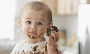 Врач: какие сладости можно давать детям в новогодние праздники