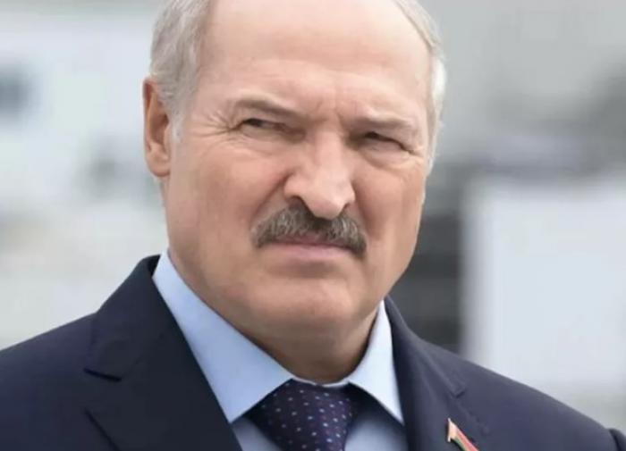 """Лукашенко обвинил """"новые медиа"""" в """"деструктивном воздействии"""""""