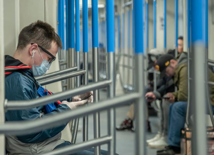Московские власти рассказали, можно ли обмануть систему Face Pay в метро