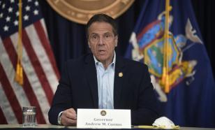 Обвиняемый в домогательствах губернатор Нью-Йорка объявил об отставке