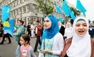 """""""При Украине такого не было"""": Как голосуют крымские татары"""