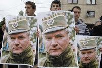 Младич грозится начать сухую голодовку.
