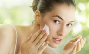 Косметолог: мицеллярную воду нужно смывать с кожи лица