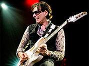 Легендарный гитарист Стив Вай 26 апреля даст концерт в московском ГлавClub'е