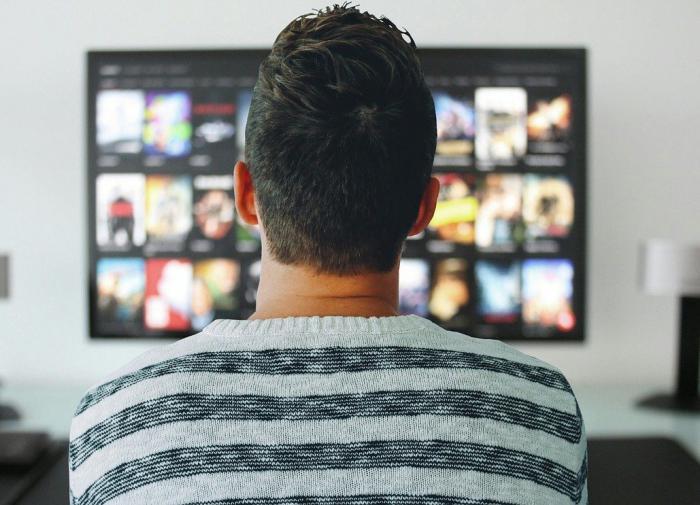 Психиатр рассказал, кому нельзя смотреть телевизор