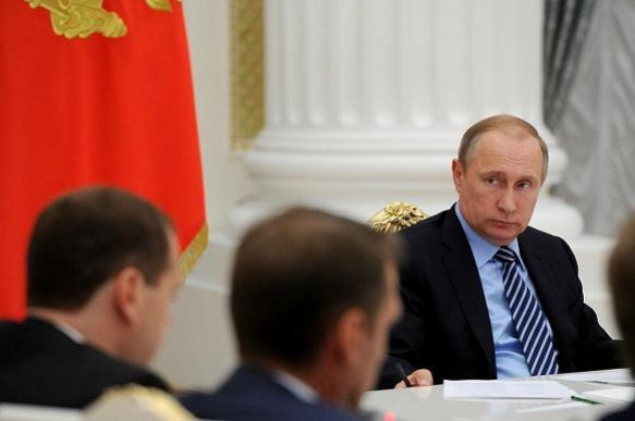"""Путин потребовал от правительства """"не морочить людям голову"""""""