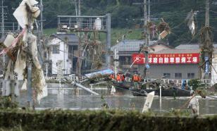 Число жертв проливных дождей в Японии выросло до 40
