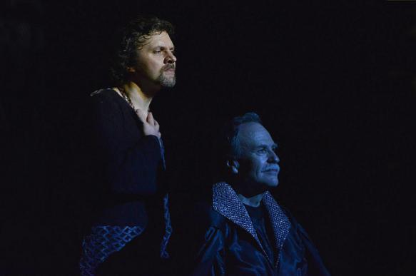 """Уникальный """"Гамлет"""" на сцене Театра Армии"""