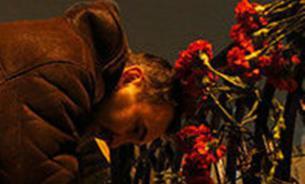 Надо ли нести цветы к российскому посольству в Киеве - мнение