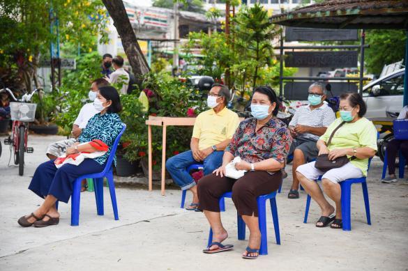 Тайские власти начинают снимать ограничения