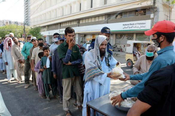 В Пакистане обсуждают возможность снятия карантина