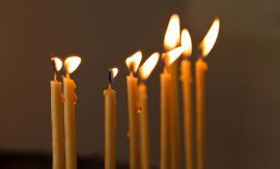 Прикурившему от церковной свечи подростку назначили обязательные работы